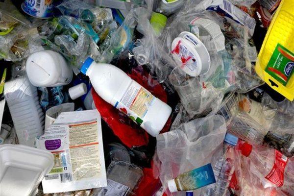"""وزيرة البيئة تبحث تجربة """"نستله مصر"""" في إعادة تدوير مخلفات البلاستيك"""