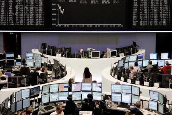 الأسهم الأوروبية تتراجع مجددا بفعل قفزة في حالات الإصابة بكورونا