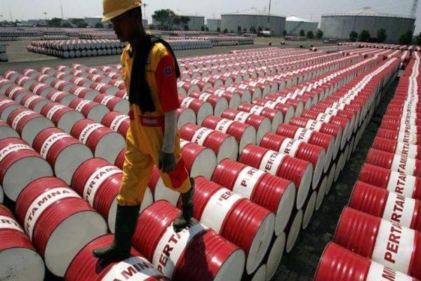 أسعار النفط تواصل الهبوط وتصل لأدنى مستوى لها منذ يناير 2019