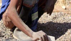 العثور على 9 جثث لرجال مناجم قتلوا رجما في جنوب افريقيا