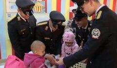 خلال زيارتهم للمعهد القومي للأورام.. طلبة وضباط أكاديمية الشرطة يقدمون هدايا للأطفال-(فيديو)