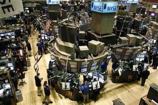 """تراجع الأسهم الأمريكية في نهاية التعاملات متأثرة بتطورات """"كورونا"""""""