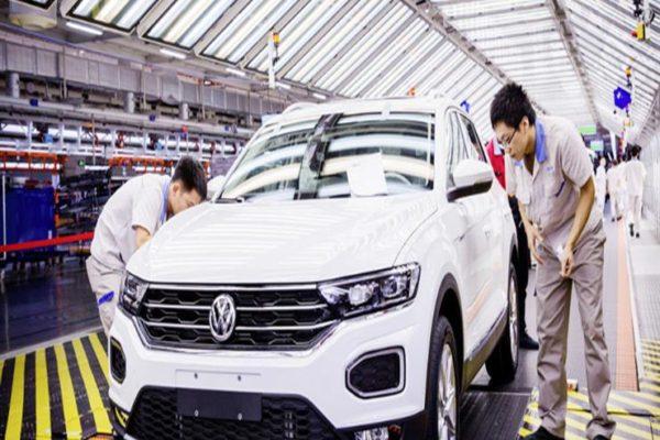 """بسبب """"كورونا"""".. فولكس فاجن تؤجل استئناف الإنتاج في مشروعاتها بالصين"""