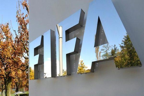 مستند.. 3 تعديلات.. فيفا يحسم الجدل حول موعد انتهاء عقود اللاعبين