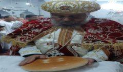 الكنيسة تنظم عزاءً للأنبا صرابامون في مسقط رأسه بأرمنت