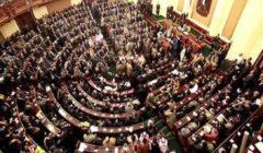 برلماني يطالب الحكومة بكشف خطتها لمواجهة ظاهرة انتشار المواقف العشوائية