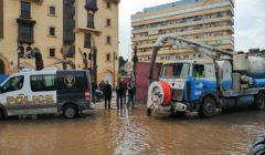 """""""المرور"""" تكشف أماكن تجمعات مياه الأمطار.. وتنسيق عاجل مع مسئولي 3 محافظات"""