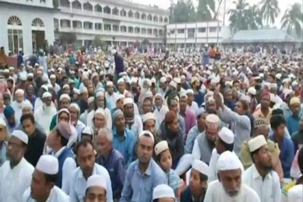 ذعر في بنغلاديش بعد صلاة جماعية لعشرات الآلاف لتحصين البلد ضد كورونا