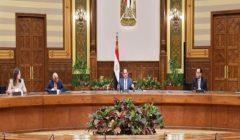 """السيسي عن تساؤلات تدبير 100 مليار جنيه لمواجهة كورونا: """"هي مصر قليلة ولا إيه؟"""""""