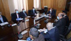 وزير النقل يوجه بسرعة الانتهاء من تركيب بوابات أتوماتيكية بمحطات السكة الحديد