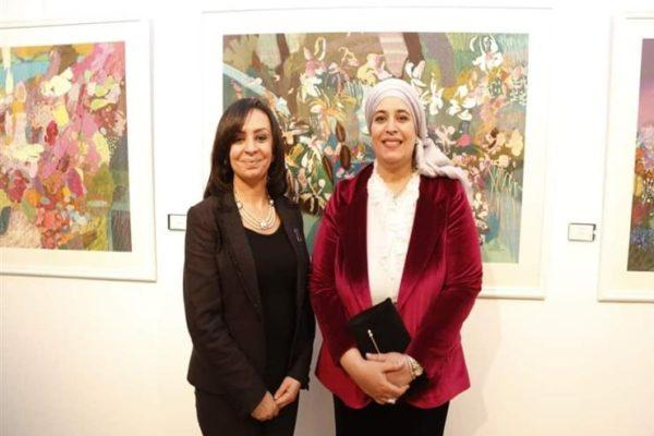 مايا مرسي تشارك في معرض الفنانة التشكيلية هالة شافعي