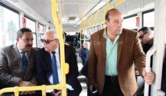 """محافظ بورسعيد يبحث مع وفد """"العربية للتصنيع"""" و""""مواصلات مصر"""" تطبيق الأتوبيس الكهربائي"""