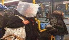 بريطانيون يلجأون لحلول مبتكرة لحماية أنفسهم من كورونا | صور