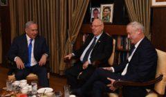 """تفكك تحالف """"أزرق أبيض"""" في إسرائيل أكبر كتلة معارضة لنتنياهو"""