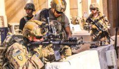 """""""سحبا برافعة من داخل كهف"""".. تفاصيل التقاط جثمان أميركيين من القوات الخاصة في العراق"""