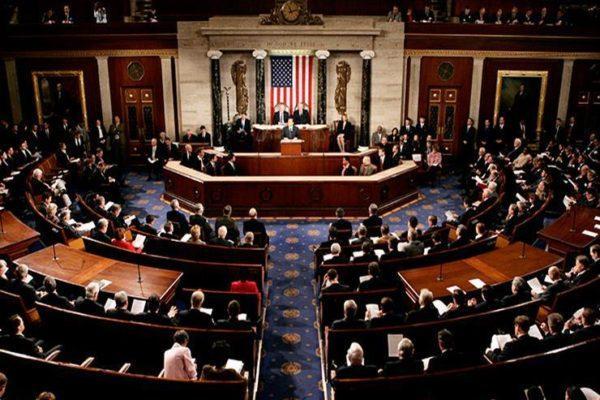 الكونجرس يطالب خطوط الطيران الأمريكية بالمساعدة في إعادة العالقين بالخارج