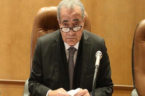 """""""اطمئنوا"""".. وزير التموين يطالب المواطنين بعدم تخزين السلع"""