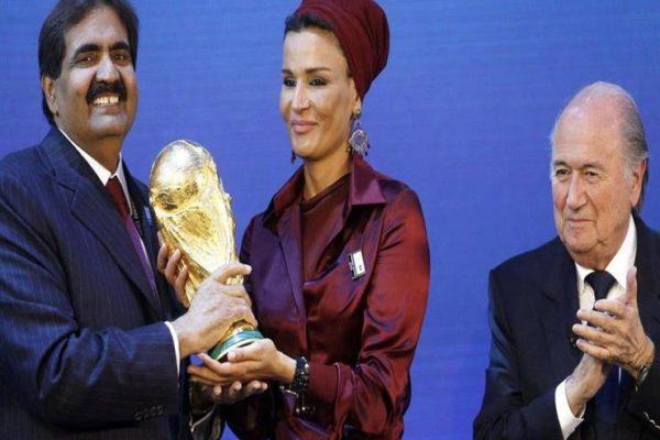 قطر ترد على اتهامها بتعريض عمال كأس العالم لخطر الإصابة بكورونا