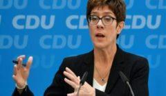 وزيرة الدفاع الألمانية تحذر من تأخير خطط تبديل طائرات تورنادو