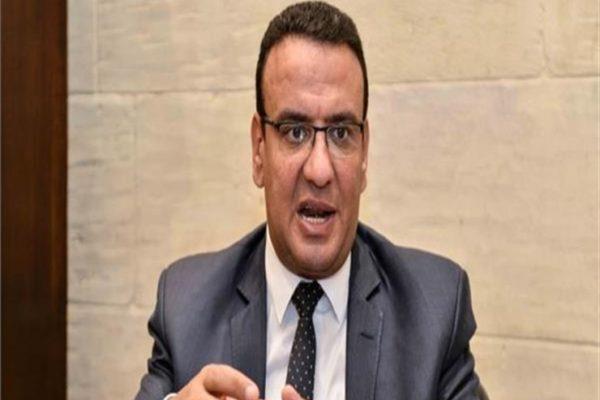 بسبب كورونا.. متحدث البرلمان يطالب بمعاملة المتوفين من العاملين بالصحة كشهداء