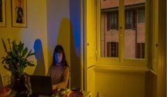 فيروس كورونا: كيف تتجنب الشعور بالوحدة وأنت تعيش بمفردك؟