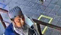 مصاب بكورونا يسعل ويبصق في وجه رجل عمداً أمام شباك تذاكر ببانكوك | فيديو