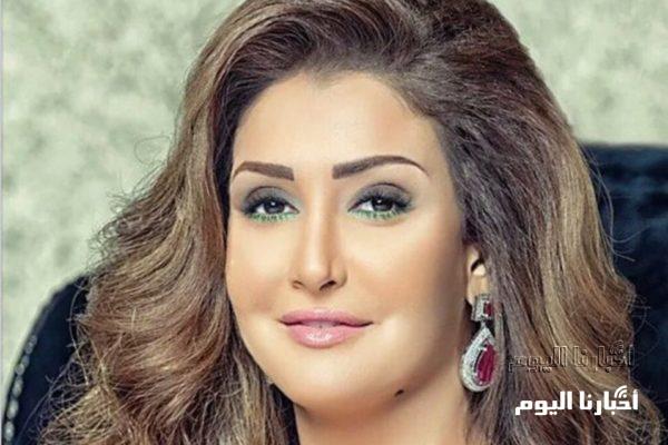 غادة عبد الرازق تستعرض كمامتها.. وسعرها يفاجئ الجمهور .. شاهد بالصور