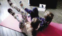 دورات «يوجا» أونلاين للأطفال لمواجهة الحظر فى أوكرانيا