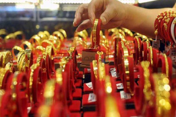 ماذا فعلت أسعار الذهب في أول أيام عيد الفطر؟