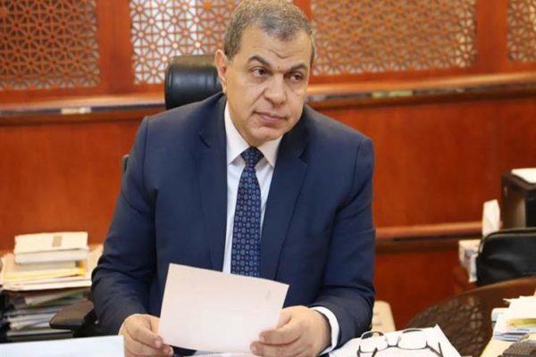 وزير القوى العاملة يتابع تنفيذ الإجراءات الاحترازية الخاصة بالعمال في المحافظات