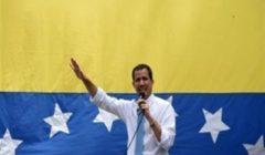 """استقالة اثنين من مستشاري غوايدو بعد اتهامات بمحاولة """"غزو"""" فنزويلا"""