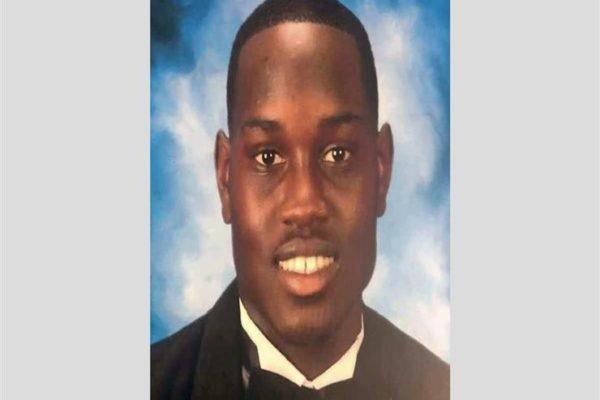 أمريكا.. القبض على رجل صور حادث مقتل الشاب أحمد أربيري