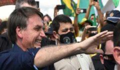 الرئيس البرازيلي يشارك في مسيرة لأنصاره مع تحول بلاده لبؤرة لتفشي كورونا