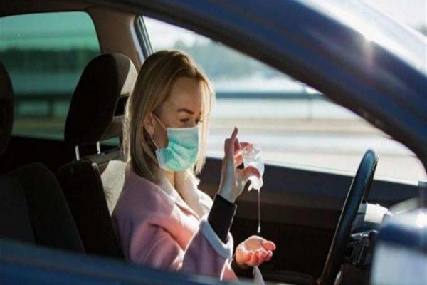 مع دخول الصيف وارتفاع الحرارة.. هل يمكن أن ينفجر معقم اليدين في سيارتك؟