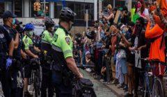 القبض على أكثر من 40 شخصا بنيويورك خلال احتجاجات على وفاة جورج فلويد
