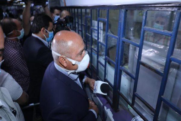 وزير النقل: توفير كمامات داخل منافذ حجز أتوبيسات السوبرجيت