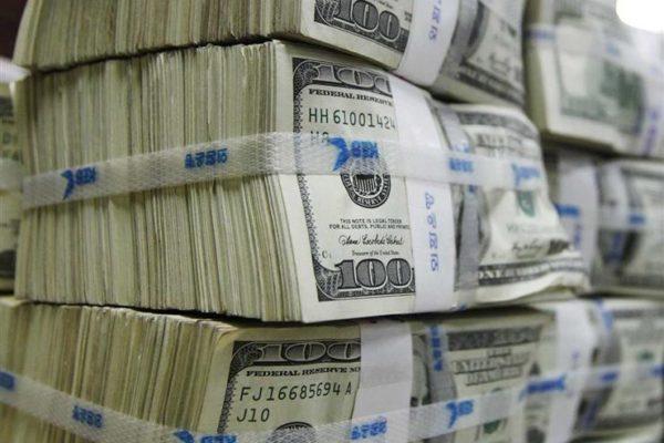 الدولار يرتفع عالميا وسط مخاوف من زيادة التوترات بين أمريكا والصين