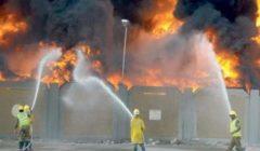 20 سيارة إطفاء تجابه نيران حريق مصنع مواد غذائية شهير بأكتوبر