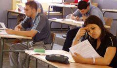 الجزائر تنهي العام الدراسي وتؤجل الامتحانات إلى سبتمبر