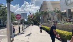 متظاهرون أمريكيون ينددون بإغلاق نوادي الرياضة بتمارين في الشارع | فيديو