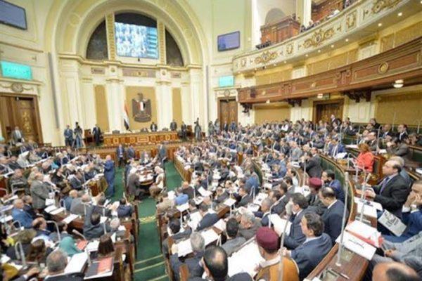 مقترح برلماني بتغريم بائعي الكمامات المغشوشة ومجهولة المصدر 4 آلاف جنيه