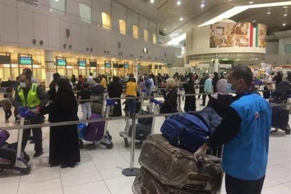 مصادر حكومية: إنهاء خدمات الوافدين في الكويت خلال عامين باستثناء الأطباء