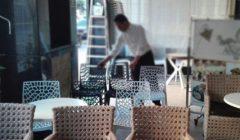 منع الكراسي بالشوارع وسحب الترخيص.. التنمية المحلية تكشف آليات التعامل مع المقاهي والمطاعم