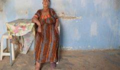 """143""""طريق الصحراء"""": لغز امرأة اختارت العيش منفردة على حافة الصحراء الجزائرية"""