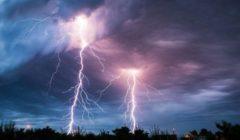 صواعق البرق تتسبب بمقتل 83 شخصا شرق الهند