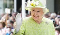 «على ظهر حصان».. الظهور الأول للملكة إليزابيث منذ أزمة «كورونا»