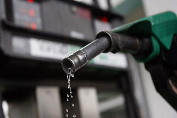 الحكومة تثبت أسعار البنزين والمواد البترولية لمدة ثلاثة أشهر