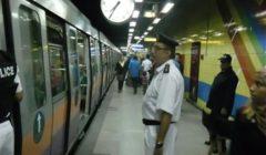 شرطة النقل والمواصلات تشن حملات إزالة الإشغالات بمحطات مترو الأنفاق