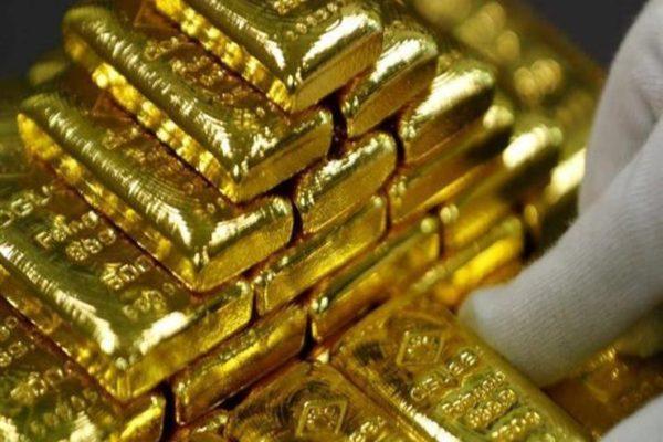 الذهب يتراجع من أعلى مستوى في 8 سنوات عالميا مع انخفاض الطلب
