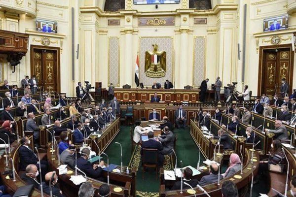 برلماني يسأل الحكومة عن  مصير بوابات التعقيم  بعد تحذير وزارة الصحة من خطورتها